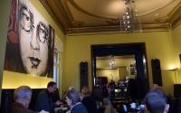 Sonntagmorgen in Berlin: Café im Literaturhaus